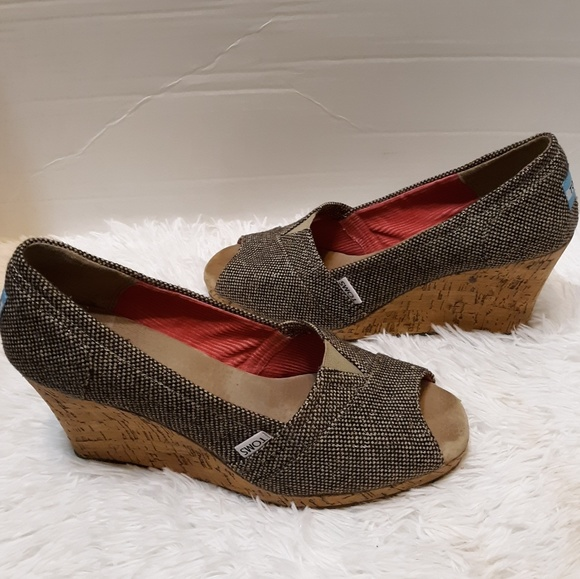 4ae7a8c619f TOMS Stella wedge heels. Black tan and gold. M 5bdb8cdcaa571973f30e9fec
